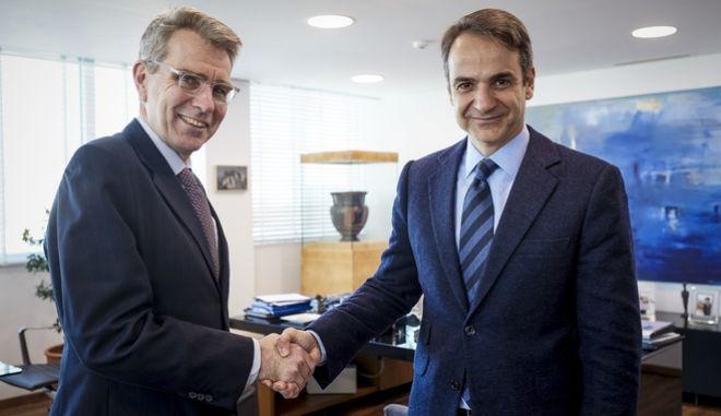 Ο Πρόεδρος της Νέας Δημοκρατίας κ. Κυριάκος Μητσοτάκης, είχε προγραμματισμένη συνάντηση με τον Πρέσβη των Ηνωμένων Πολιτειών Αμερικής κ.  Geoffrey R. Pyatt. Παρασκευή 26 Ιανουαρίου. (EUROKINISSI/ΓΡ. ΤΥΠΟΥ ΝΔ/ ΔΗΜΗΤΡΗΣ ΠΑΠΑΜΗΤΣΟΣ)