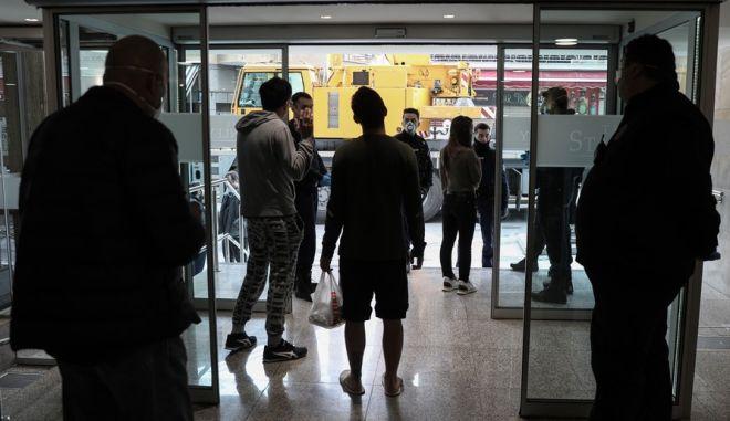 Επαναπατρισθέντες Έλληνες απομονωμένοι σε ξενοδοχείο της Αθήνας