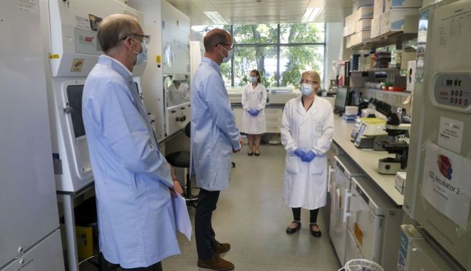 Οι δοκιμές του εμβολίου, που σχεδιάστηκε από το Πανεπιστήμιο της Οξφόρδης