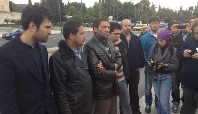 """Καταγγελία σοκ από τους επιζώντες του Φαρμακονησίου: """"Οι λιμενικοί μας έβαλαν τα όπλα στο λαιμό. Μας έσπρωχναν να μην ανέβουμε"""""""