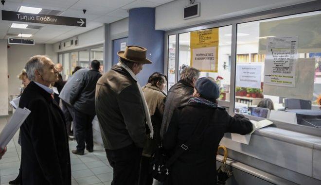 Μέσω συμψηφισμών οι επιστροφές καθυστερούμενων φόρων