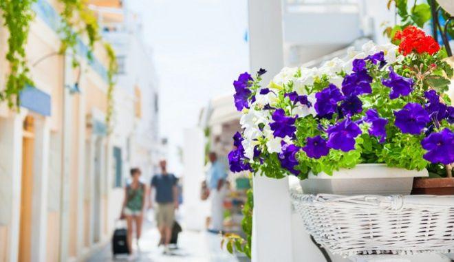 Τουριστική απόβαση στην Ελλάδα. Έρχονται 30 εκατομμύρια επισκέπτες