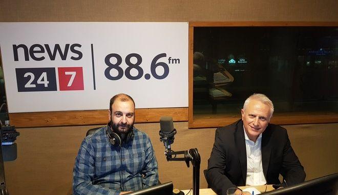 News 24/7 στους 88,6: Ο Γιάννης Ραγκούσης απαντά ζωντανά στους ακροατές