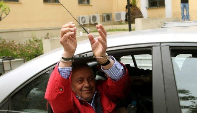 Στον εισαγγελέα οδηγήθηκε σήμερα το μεσημέρι ο Εκδότης Γιώργος Κουρής,με την κατηγορία μη καταβολής χρεών πρός το δημόσιο,Τρίτη 24 Απριλίου 2012 (EUROKINISSI/ΓΙΑΝΝΗΣ ΠΑΝΑΓΟΠΟΥΛΟΣ)