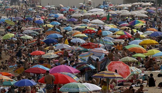 Καρέ από παραλία στη Βαρκελώνη (Φωτογραφία αρχείου)