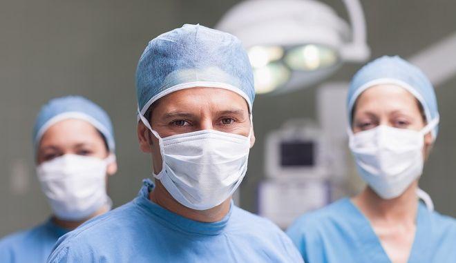 Χειρουργικές μάσκες