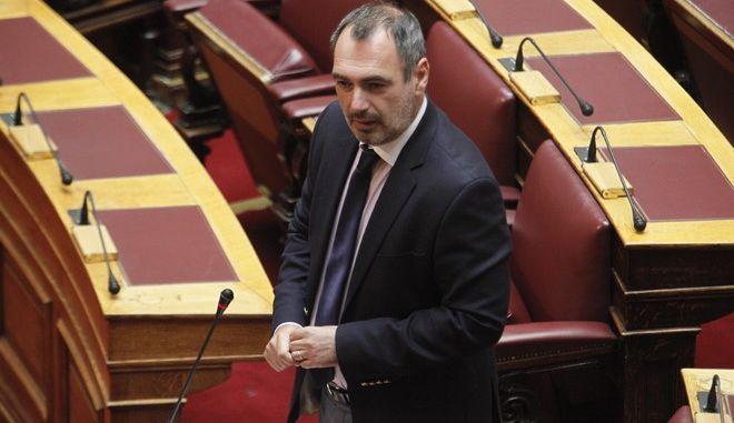 Συζήτηση επίκαιρων ερωτήσεων στην Βουλή την Παρασκευή 10 Ιουνίου 2016. (EUROKINISSI/ΓΙΩΡΓΟΣ ΚΟΝΤΑΡΙΝΗΣ)