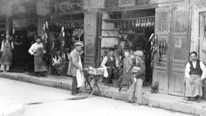 1880-1925: Οι πρώτοι Νοικοκυραίοι της Αθήνας
