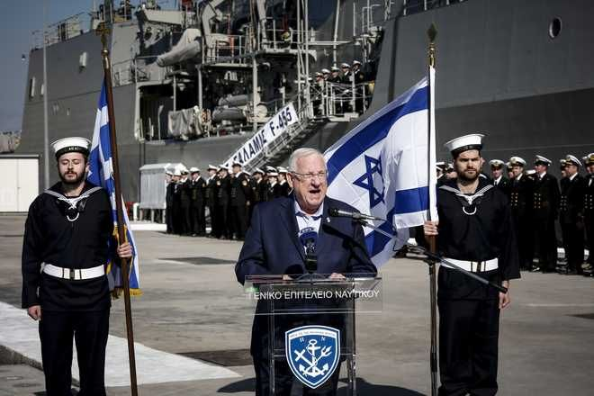 Κοινή επίσκεψη στο Αρχηγείο Στόλου στο Ναύσταθμο Σαλαμίνας του προέδρου του Ισραήλ, Ρούβεν Ρίβλιν και του υπουργού Εθνικής Άμυνας, Πάνου Καμμένου την Τετάρτη 31 Ιανουαρίου 2018. (EUROKINISSI/ΣΤΕΛΙΟΣ ΜΙΣΙΝΑΣ)