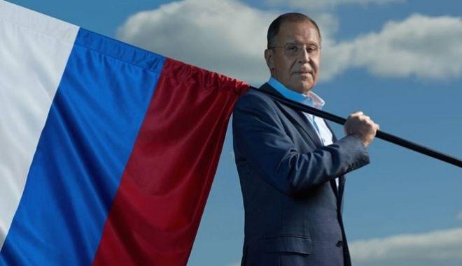 Ο Σεργκέι Λαβρόφ σε ρόλο... εξορκιστή