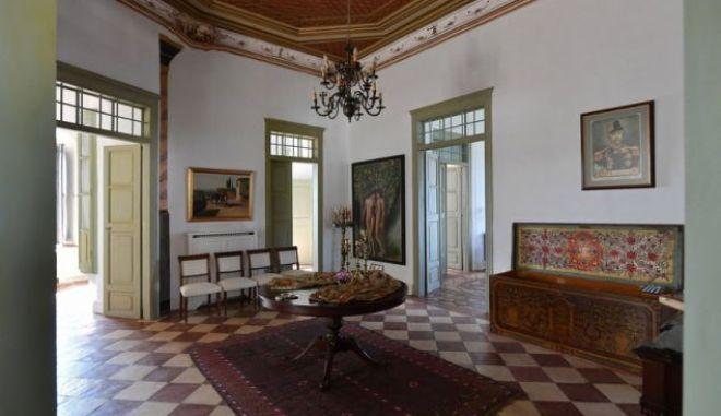 """Πωλείται το ιστορικό σπίτι του Μιαούλη στην Ύδρα-Πόσο θα """"πιάσει"""""""
