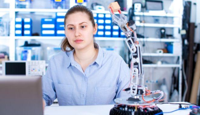 Τεχνητή νοημοσύνη 'συνετίζει' απρόσεκτους μαθητές