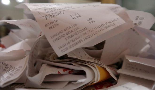 Στα 16 δισ. η ετήσια φοροδιαφυγή: Ποιος τελικά πληρώνει και τι