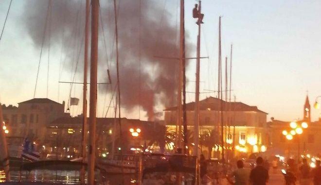 Εικόνα από την φωτιά στο ιστορικό κέντρο της Μυτιλήνης