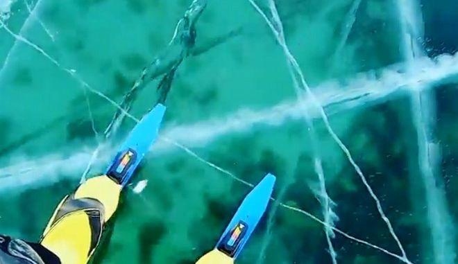 Πατινάζ στη λίμνη Βαϊκάλη