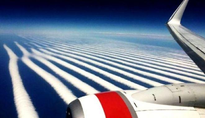 Ένα περίεργο σύννεφο στον ουρανό της Αυστραλίας έχει διχάσει το ίντερνετ
