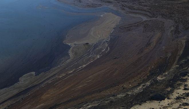Τεράστια πετρελαιοκηλίδα ανοικτά της Καλιφόρνιας - Ανυπολόγιστη οικολογική καταστροφή
