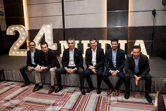 Από αριστερά: Πάνος Βελαχουτάκος, Μάνος Μίχαλος, Νικόλας Πεφάνης, Βασίλης Παπαχριστοδούλου, Γιάννης Βήτας, Λουκάς Καρετζόπουλος