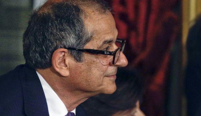 O ιταλός Υπουργός Οικονομικών, Τζιοβάννι Τρία