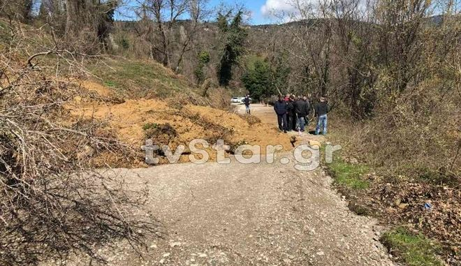 Αποκλείστηκαν χωριά από κατολισθήσεις στη δυτική Φθιώτιδα