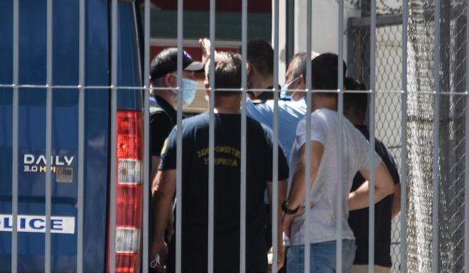 O Πέτρος Φιλιππίδης στις φυλακές Τρίπολης