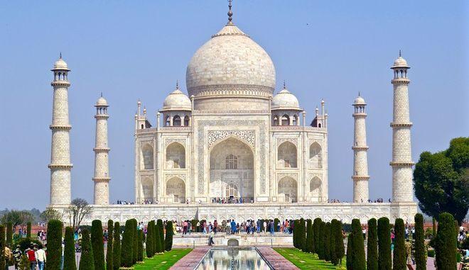 Ταζ Μαχάλ: Πενταπλασιάστηκε η τιμή του εισιτηρίου για να το επισκέπτονται λιγότεροι