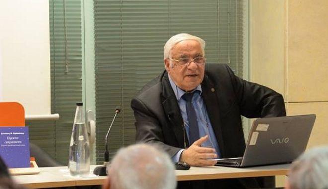 Διονύσης Σιμόπουλος: Ο Στίβεν Χόκινγκ ήταν η επιτομή επιμονής και υπομονής