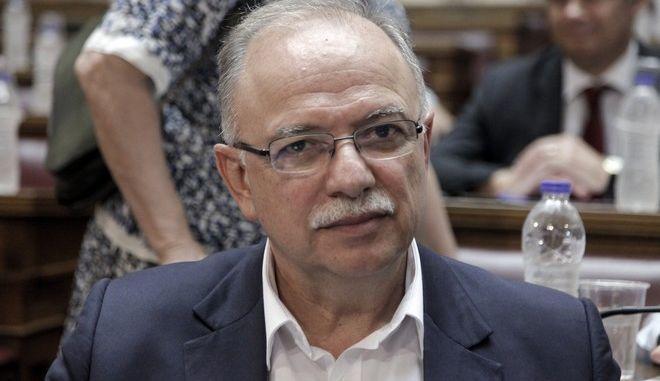 """Κοινή συνεδρίαση της Επιτροπής Ευρωπαϊκών Υποθέσεων και η Οικονομικών Υποθέσεων με την ομάδα εργασίας για την παρακολούθηση του ελληνικού προγράμματος της Επιτροπής Οικονομικών και Νομισματικών Υποθέσεων (ECON) του Ευρωπαϊκού Κοινοβουλίουμε θέμα ημερήσιας διάταξης: """"Οι εξελίξεις στην ελληνική οικονομία και η οικονομική διακυβέρνηση της ευρωζώνης"""" την Τρίτη 27 Ιουνίου 2017. (EUROKINISSI/ΓΙΩΡΓΟΣ ΚΟΝΤΑΡΙΝΗΣ)"""