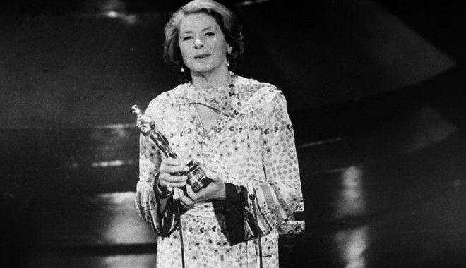 Η ανεπανάληπτη Ίνγκριντ Μπέργκμαν με το τρίτο Όσκαρ της καριέρας της