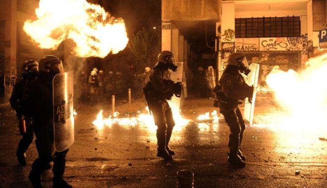 Πορεία στη μνήμη του Αλέξη Γρηγορόπουλου την Τρίτη 6 Δεκεμβρίου 2016. (EUROKINISSI/ΤΑΤΙΑΝΑ ΜΠΟΛΑΡΗ)