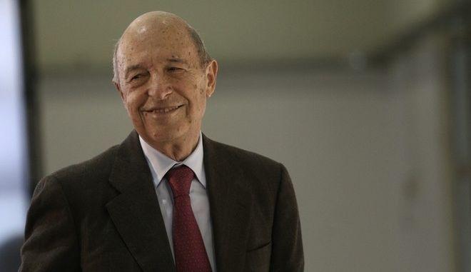 Διαψεύδει ο Σημίτης ότι συναντήθηκε με το Χριστοφοράκο της Siemens
