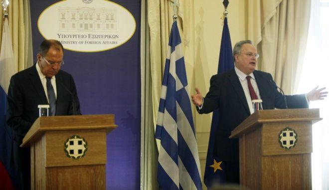 Φωτογραφία από την επίσκεψη Λαβρόφ στην Αθήνα, τον Νοέμβριο του 2016
