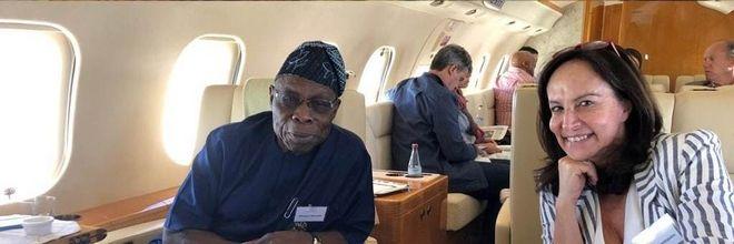 Εν πτήση με τον πρώην πρόεδρο της Νιγηρίας και της Αφρικανικής Ένωσης κ. Ομπασάνιο