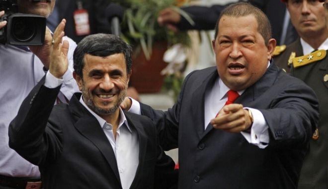 """Κατηγορείται ο Αχμαντινετζάντ για τη δήλωση: """"Ο Τσάβες θα αναστηθεί μαζί με τον Ιησού"""""""