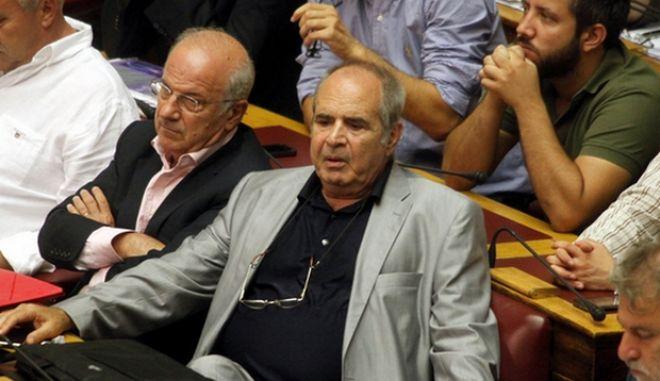 Στην Ολομέλεια της Βουλής, συζητήθηκε το απόγευμα της Δευτέρας 27 Αυγούστου, η επερώτηση του επικεφαλής του ΣΥΡΙΖΑ, Αλέξη Τσίπρα, για την απόπειρα εξωδικαστικού συμβιβασμού του ελληνικού Δημοσίου με την εταιρεία Siemens.