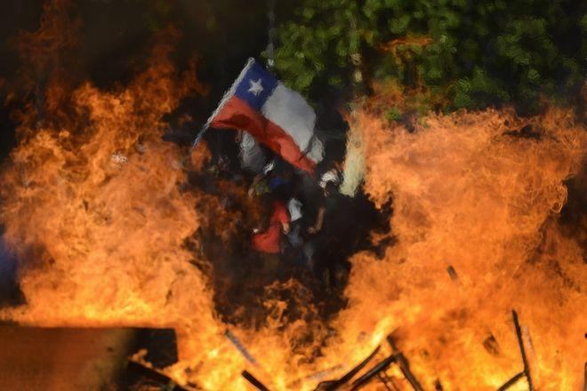 Σημαία που φλέγεται, Σαντιάγο, Χιλής