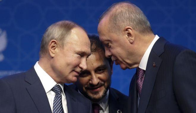 Στιγμιότυπο από παλαιότερη συνάντηση Ερντογάν-Πούτιν