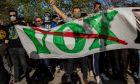 Διαδηλωτές συγκεντρώνονται ενάντια σε εκδήλωση του ακροδεξιού κόμματος Vox στη Μαδρίτη, 7 Απριλίου 2021