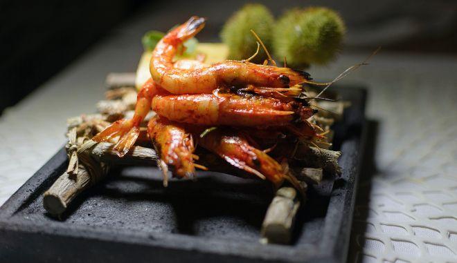 Καθάρα Δευτέρα: Πώς φτιάχνουμε γαρίδες ψητές στο φούρνο