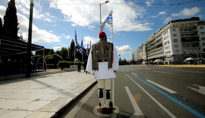 Στιγμιότυπο από την στρατιωτική παρέλαση στη Αθήνα για τον εορτασμό της επετείου της 25ης Μαρτίου 1821,Τρίτη 25 Μαρτίου 2014(EUROKINISSI/ΚΩΣΤΑΣ ΚΑΤΩΜΕΡΗΣ)
