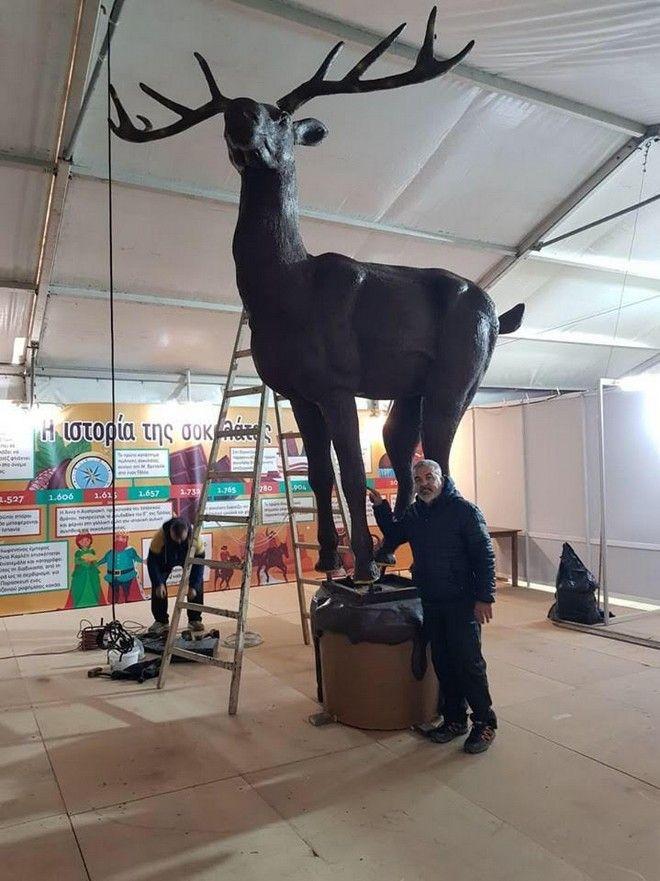 Στην Κατερίνη το μεγαλύτερο σοκολατένιο ελάφι του κόσμου