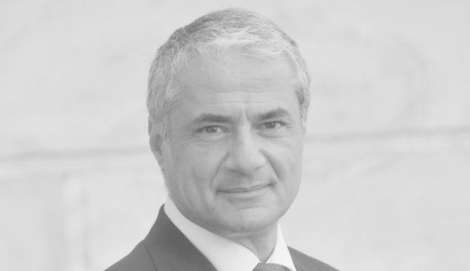 Πέθανε ο οικονομολόγος και καθηγητής Διεθνών Οικονομικών Γιάννης Τσαμουργκέλης