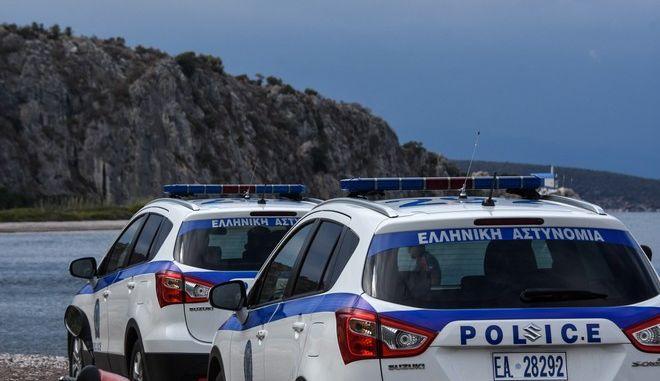Περιπολικό της Αστυνομίας σε παραλία (φωτογραφία αρχείου)