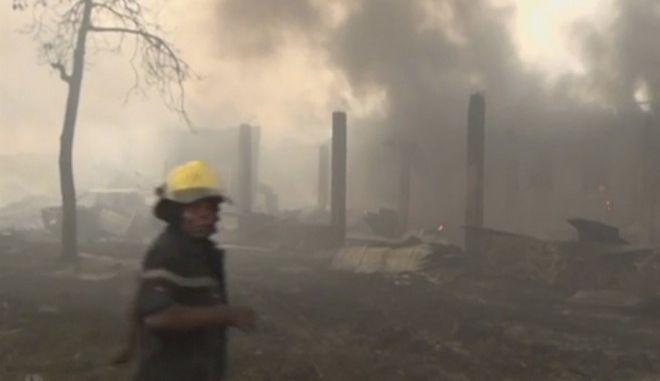 Πυροσβέστης στο Κονγκό (ΦΩΤΟ ΑΡΧΕΙΟΥ)