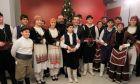 Τσίπρας: Ποντιακά κάλαντα, κρητικοί χοροί και το αστείο με ΑΕΚ και ΠΑΟΚ