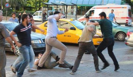 Μαυροπουκαμισάδες ξυλοφόρτωσαν παρέα Γερμανών στην Κρήτη; Η Αστυνομία δεν το επιβεβαιώνει...