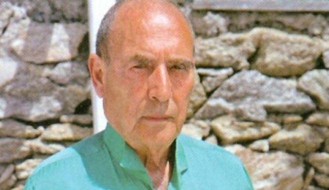 Πέθανε ο Μάκης Ζουγανέλης - Ο άνθρωπος που έστησε το πιο μυθικό μαγαζί της Μυκόνου