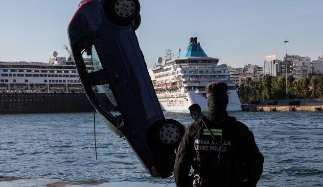 Αυτοκίνητο έπεσε στη θάλασσα - Νεκρός ανασύρθηκε ο οδηγός