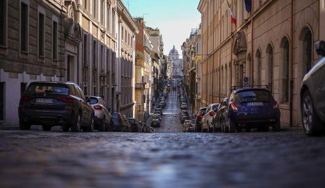 Δρόμος στη Ρώμη εν μέσω πανδημίας κορονοϊού