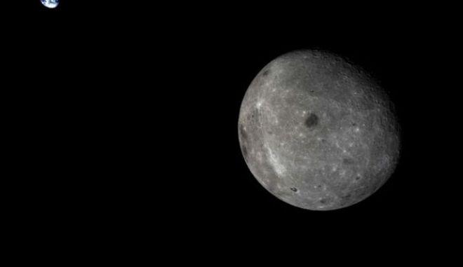 Σκοτεινή πλευρά Σελήνης